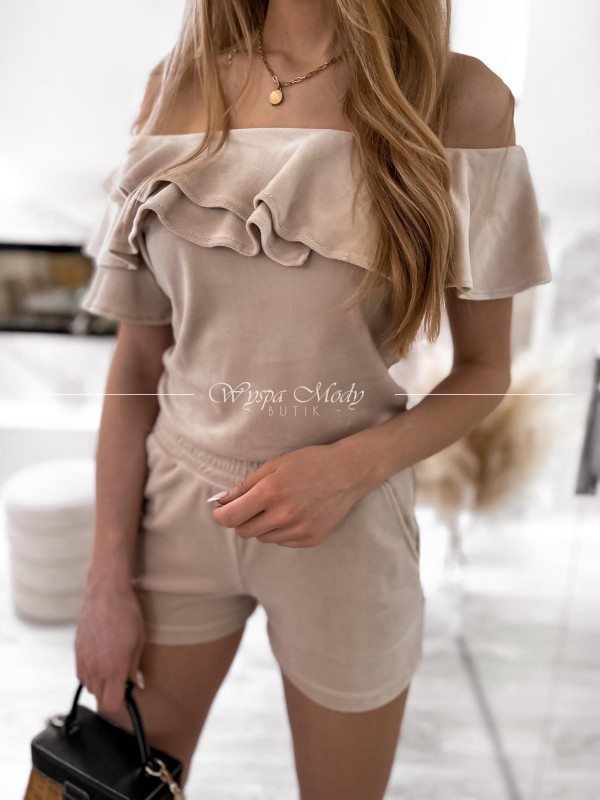 Komplet welurowy spodenki+ bluzka beige