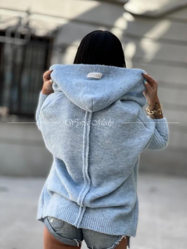 sweterek włoska przędza baby blue