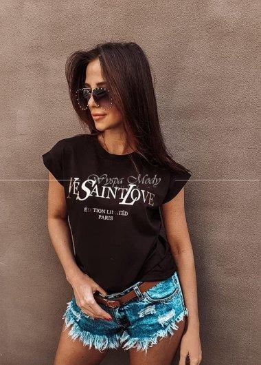 Tshirt love is love black