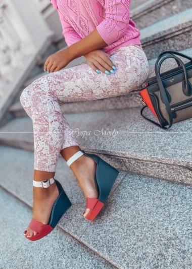 Spodnie jeansy flowers Pink