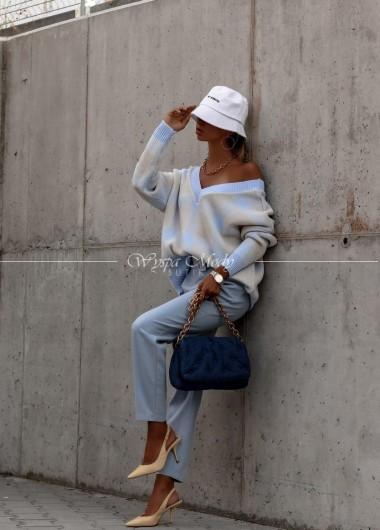 Sweterek v neck blue